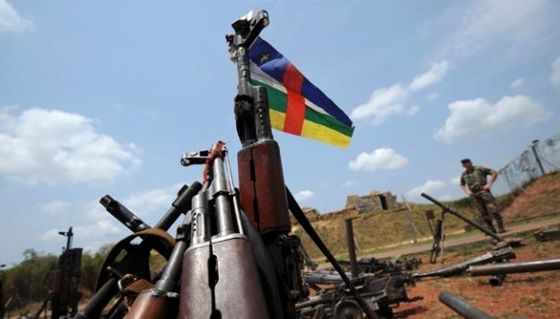 Orta Afrikada silahlı gruptan köye saldırı