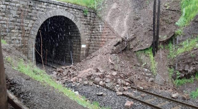 Elazığın Maden ilçesinde heyelan riski: 278 konut tahliye ediliyor