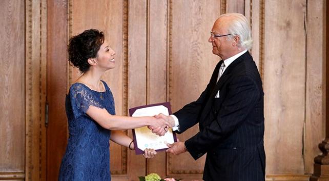 """İsveçte """"Kraliyet Hanedanı"""" ödülünü Türk akademisyen kazandı"""