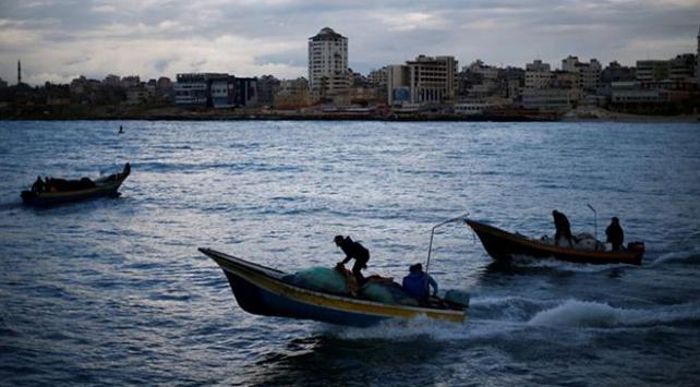 İsrail Gazzedeki balıkçıların avlanma mesafesini düşürdü