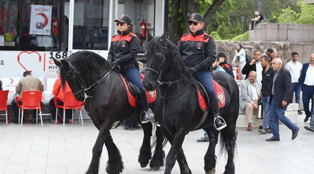 Ankarada atlı polisler 1 Mayısta devriye gezecek