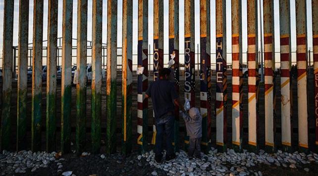 Trumptan Kongreye Meksika sınırı için ek 4,5 milyar dolar bütçe talebi