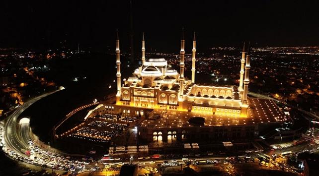 Türkiyenin en büyük camisi bugün resmen açılıyor