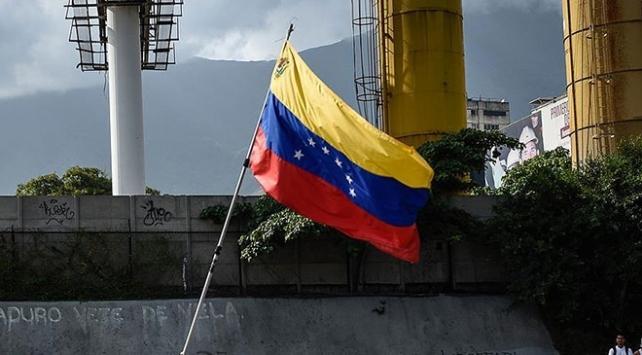 Venezuelada sokağın tansiyonu şimdilik düştü