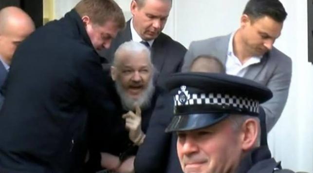 Julian Assange: Birçok insanı korudum beni iade etmeyin