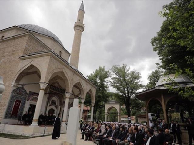 Bosnanın İncisi Alaca Camii ibadete açıldı