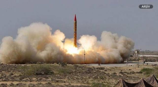 Kuzey Korenin füze ateşlemesini Kim Jong-un da izledi