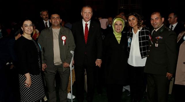 Cumhurbaşkanı Erdoğan şehit aileleriyle iftarda buluştu