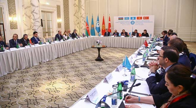 Türk Konseyine üye ülkelerin medya yetkilileri Baküde buluştu