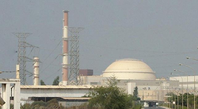 İran nükleer faaliyetlerinin bir kısmına geri dönüyor