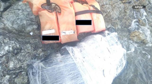 Ayvacıkta 140 kilogram uyuşturucu sahile vurdu