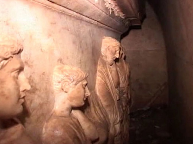 2 bin 400 yıllık Hekatomnos Anıt Mezarına özel koruma