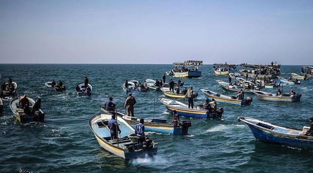 İsrail Gazzedeki balıkçıların avlanma yasağını kaldırdı