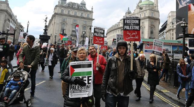 Binlerce kişi Londrada Filistin için yürüdü