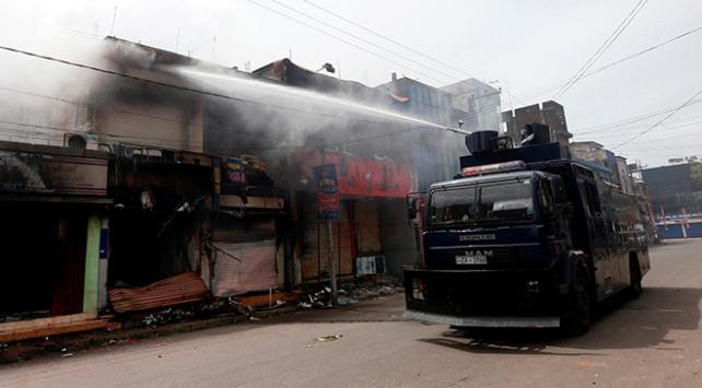 Sri Lankada Müslümanlara ait dükkanlara saldırı
