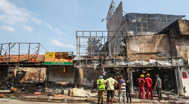 Sri Lankada Müslümanlara ait bir fabrika ateşe verildi