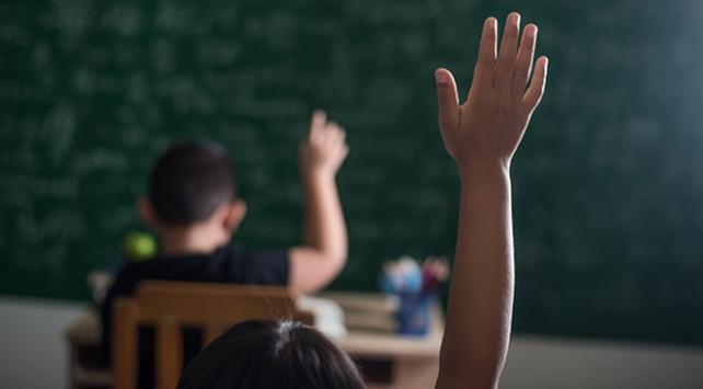 Eğitim takvimi değişiyor, okul tatilleri yeniden düzenleniyor