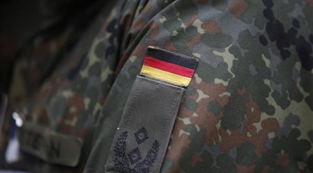 Almanya Irakta verdiği askeri eğitimleri askıya aldı