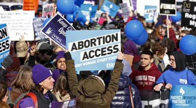 Alabamada vali kürtaj yasağı getiren yasayı onayladı