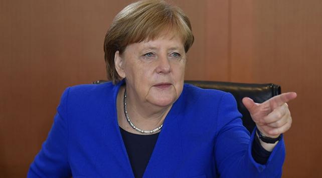 Merkel: Avrupa kendini yeniden konumlandırmalı