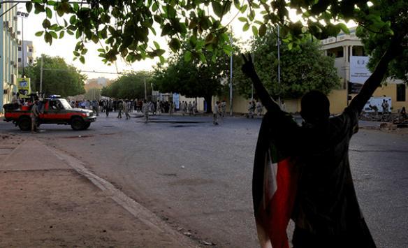 Sudanda muhalefet görüşmelerin askıya almasından memnun değil