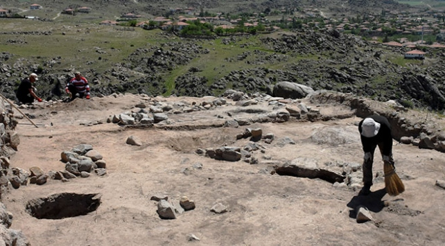 Kırıkkalede Hitit dönemine ait 9 yapı katı bulundu