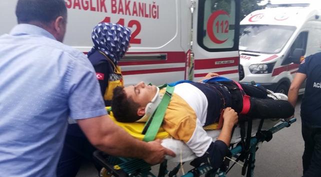 """Büyükçekmecede """"drift"""" terörü: 7 lise öğrencisi yaralandı"""