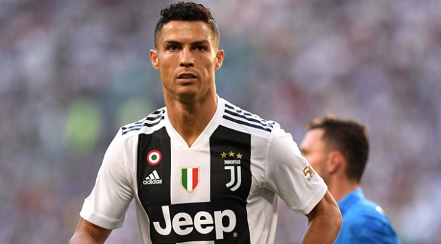 Cristiano Ronaldodan Filistine 1,5 milyon dolar bağış