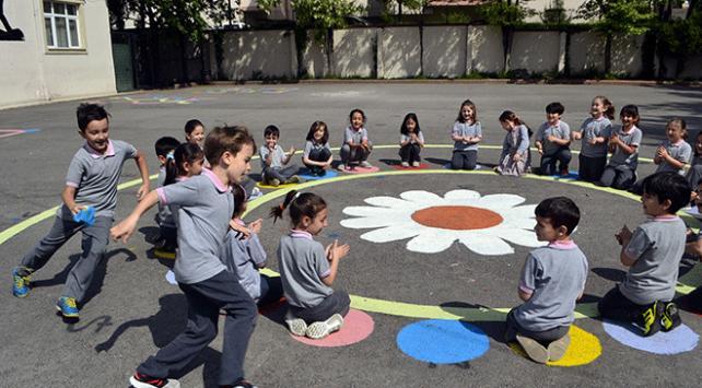 Tarihi ilçede geleneksel sokak oyunları yaşatılıyor
