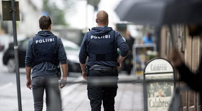 Finlandiya camiye el bombası atan saldırganı arıyor