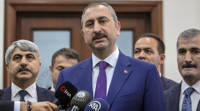 Adalet Bakanı Gül: Öcalanın avukatlarıyla görüşme yasağı kaldırıldı