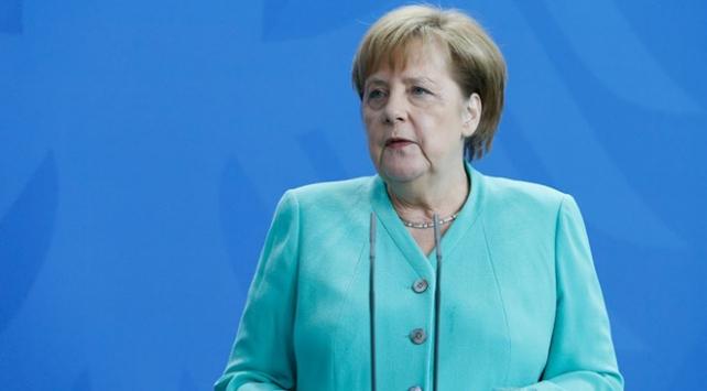 Merkel parti başkanlığına yeniden aday olmayacak