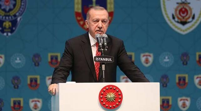 Cumhurbaşkanı Erdoğan: Türkiyeyi içeriden vuranlara hesabını sormasını bilirim