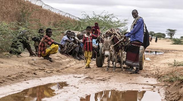 TDVden Somalideki savaş mağdurlarına gıda yardımı