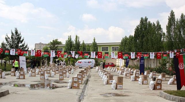 TİKAdan Afganistandaki yoksul ailelere ve öğrenci yurtlarına yardım