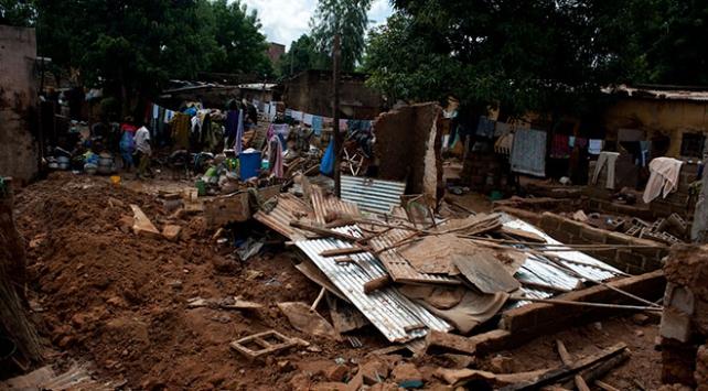 Malide sel felaketi: Ölü sayısı 28e yükseldi