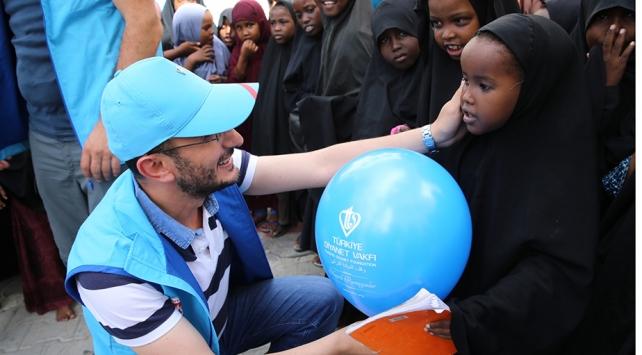 Türkiye Diyanet Vakfından Somalili çocuklara bayramlık