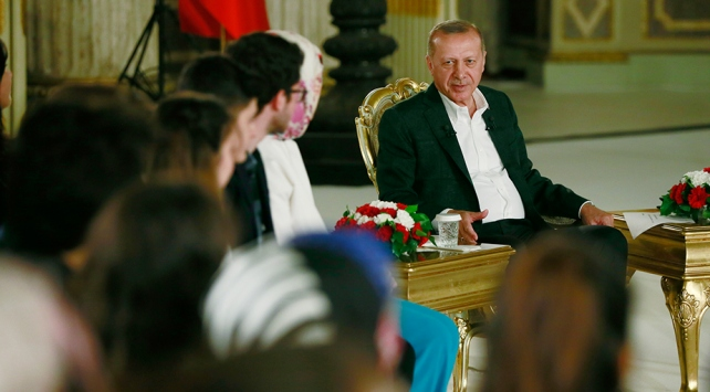 Cumhurbaşkanı Erdoğan: Er ya da geç F-35leri teslim alacağız, S-400ler de ülkemize girecek