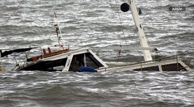 Ugandada futbolcuları taşıyan tekne alabora oldu: 30 ölü