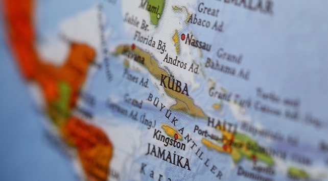 Kübada araç kalabalığın arasına daldı: 3 ölü, 30 yaralı