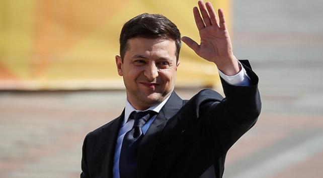 Ukraynada Zelenskiy görevine başladı