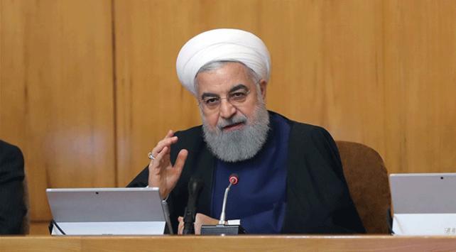 İran Cumhurbaşkanı Ruhani ABD'nin müzakere talebine cevap verdi