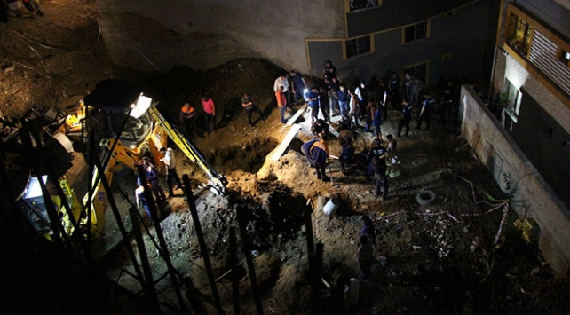 Eyüpsultanda bir çocuk inşaat çukuruna düştü
