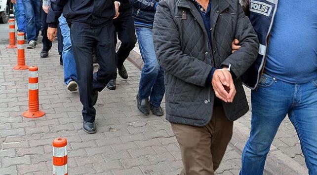 """Firari FETÖ üyelerinin saklandığı """"öğrenci evleri""""ne operasyon"""