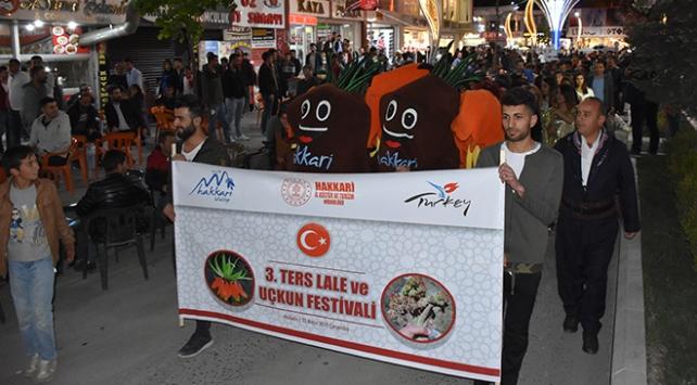 """Hakkaride """"Ters Lale ve Uçkun Festivali"""" düzenlendi"""
