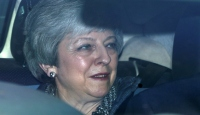 """İngiltere'nin """"İkinci Demir Lady""""si May istifanın eşiğinde"""