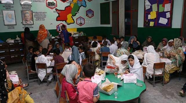 TİKAdan Pakistanlı yetimlere gıda yardımı ve iftar