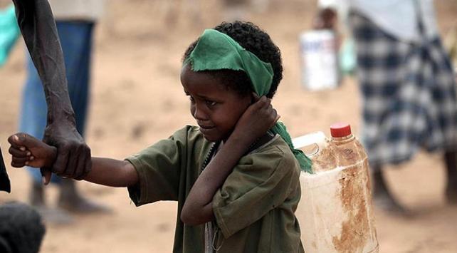 Nijeryadaki çatışmalar nedeniyle binlerce çocuk ve kadın göç etti