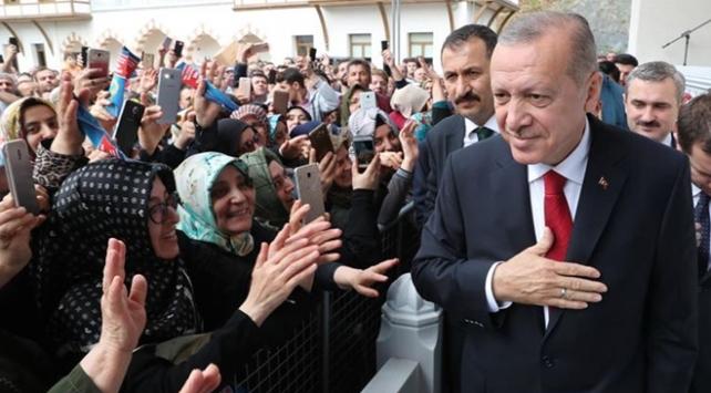 Cumhurbaşkanı Erdoğan AK Parti İstanbul İl Başkanlığı'nda