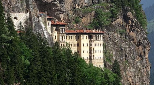 Sümela Manastırı 4 yıl aradan sonra ziyarete açıldı